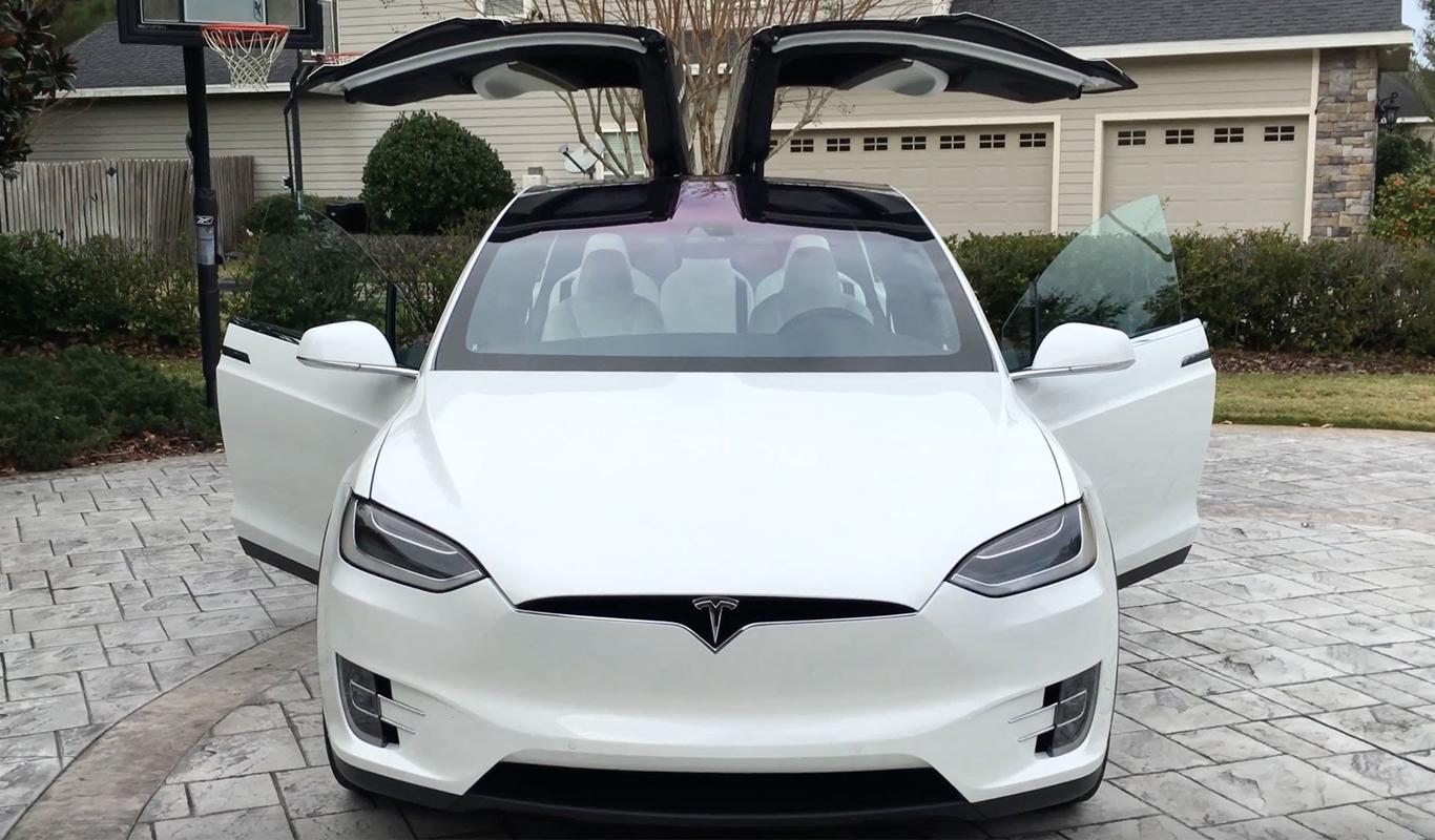 Tesla Model X Plug N Drive